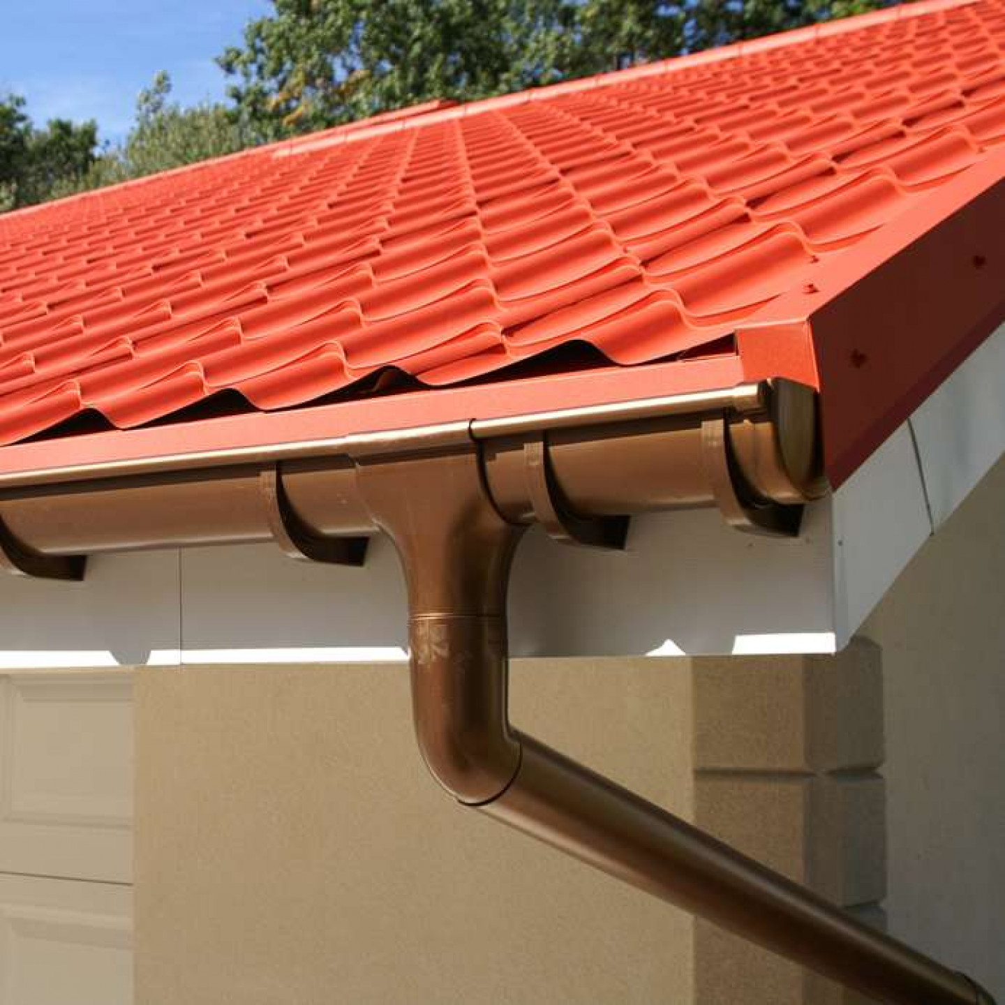See why seamless aluminum gutters are the way to go